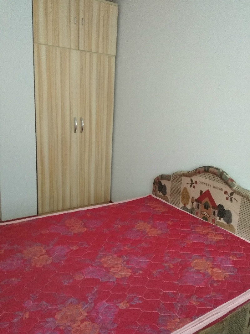 实验中学 鸿泰嘉园 3室 1厅 96平米 整租