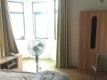 居住主题公园枫丹白鹭中装大三房便宜租,1300包物业,随时看