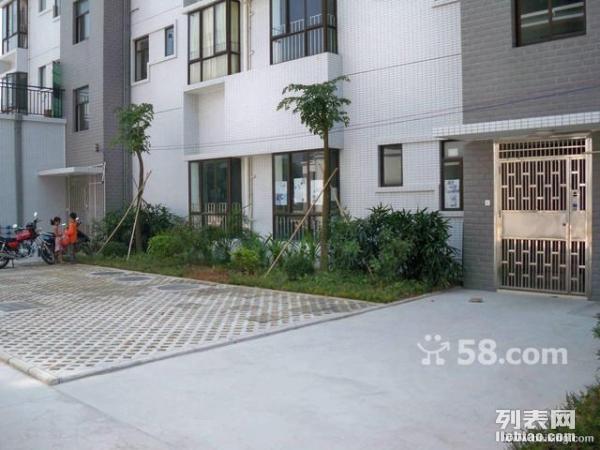 斗门和润新苑 商住两用复式90平米(含地铺) 超值出租