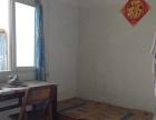 东方红小区,特色住房,厨房卫生间,热水器家具木床,书桌,