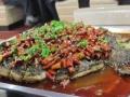 万州烤鱼的创业 小吃街的独特风景