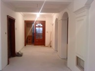 大连老房子发霉长斑漏水怎么维修,一平多少钱,可以贴壁纸吗