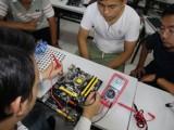 理论结合实践教学 手机维修培训学校 重庆华宇万维
