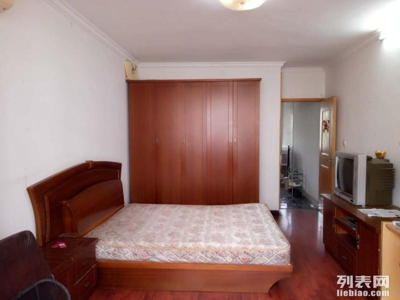 图 精装修一房,距离地铁5分钟,采光无敌,随时看房,拎包入住 上海租房