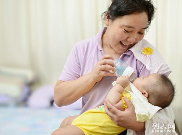 恒诺家政提供月嫂,育婴,保姆,保洁,医护,催乳,小时工服务